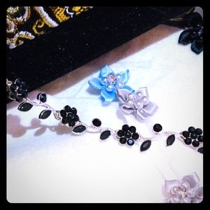 "Black Stone Flower Necklace / 14"" - 18"""
